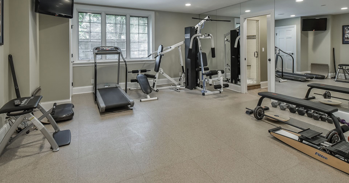 3 Must-Have Equipment for Your Home Gym - Fitness World